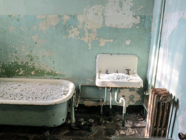 (Pic #9) Infirmary bath